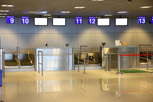 modern-interior-airport-terminal-25375040