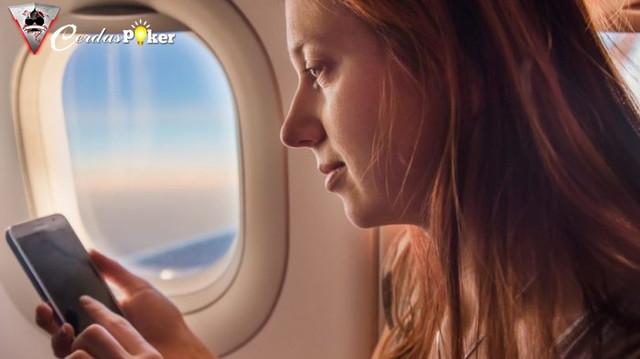 Bolehkah Penumpang Menelepon Pakai WiFi Pesawat? Ini Aturannya