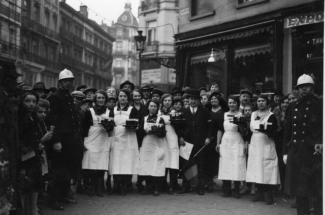 Race-of-waiters-and-waitresses-in-Brussels-6