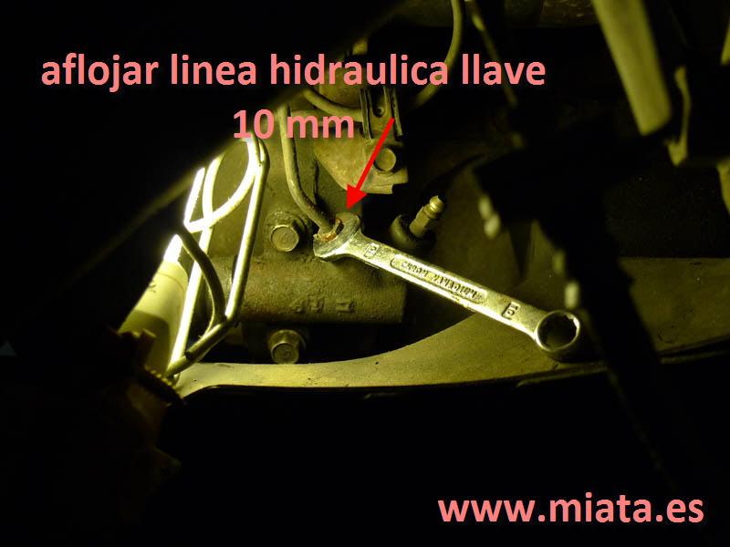 TUTORIAL DE COMO CAMBIAR EL EMPUJADOR HIDRAULICO DE LA LEVA DEL EMBRAGUE DEL MX-5/MIATA. 008