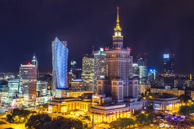 Sensual weekend in Warsaw: body to body massage & 2 other pleasures