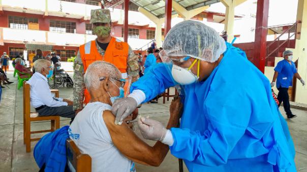 vacunacion-contra-el-covid-19-se-realiza-en-tocache-uchiza-y-nuevo-progreso
