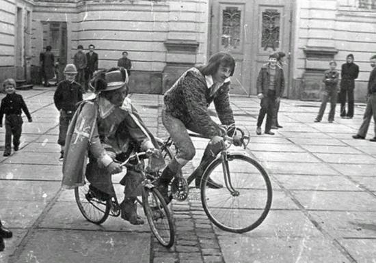 Все ли фильмы Вы узнаете по фото? Это старое доброе советское кино, такого 0b08e9bacd19287897d5c4186b1a3094