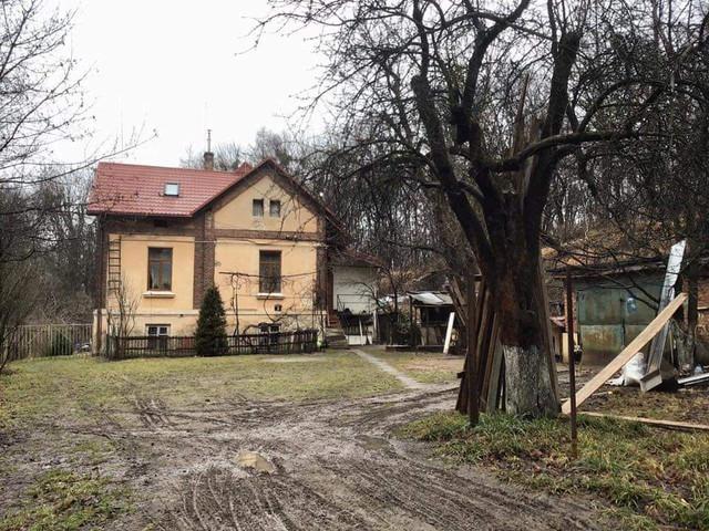 Житловий будиночок зі сторони вул. В.Стуса