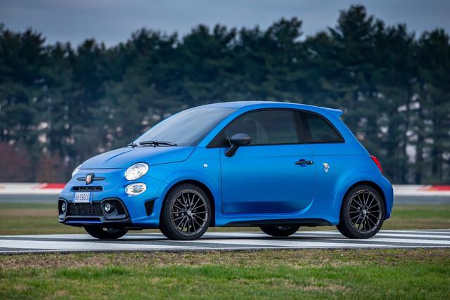 2015 - [Fiat] 500 Restylée - Page 24 787-DBEEB-A8-A9-408-A-92-DA-16-BBF58-A0732