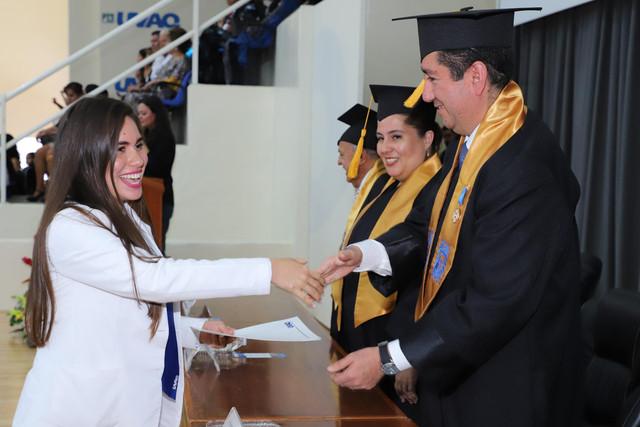 Graduacio-n-Medicina-144