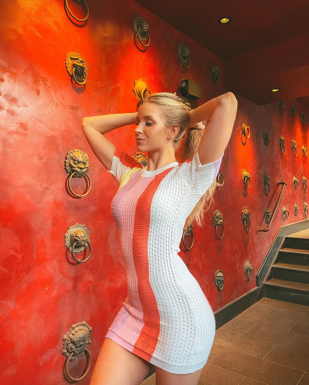 Caroline-Zalog-Wallpapers-Insta-Fit-Bio-7