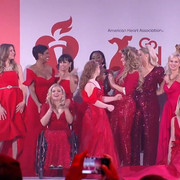 reddresscollection020520-performance8