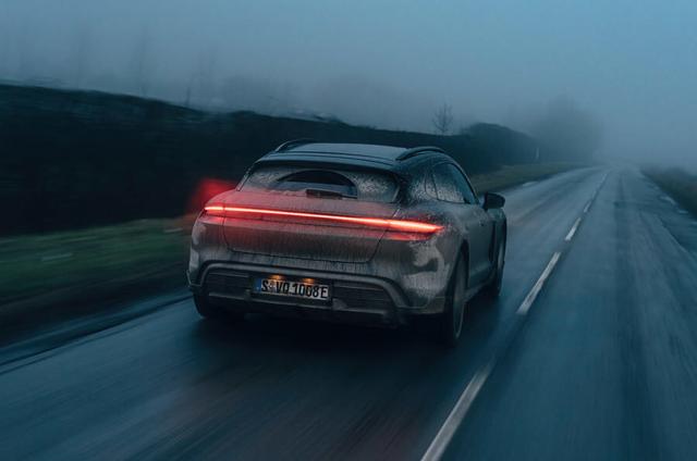 2020 - [Porsche] Taycan Sport Turismo - Page 3 DEA4-DFFA-A3-D5-4-D29-A23-B-836-E3-B33-E61-F