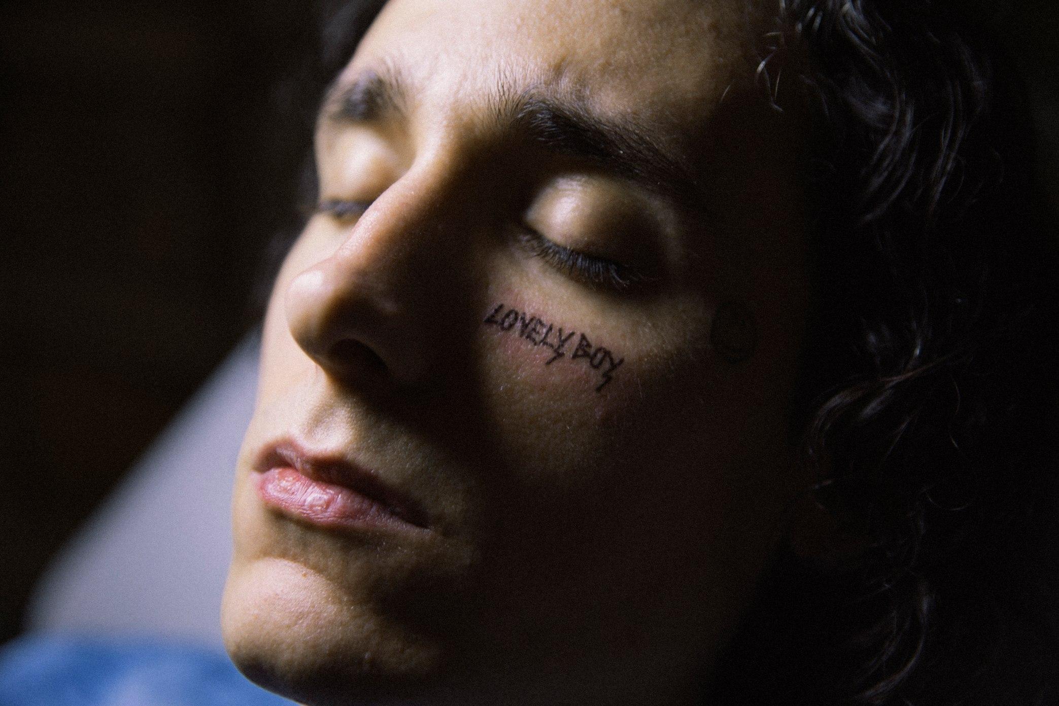 Lovely Boy, il film di Lettieri con Andrea Carpenzano a Venezia 78