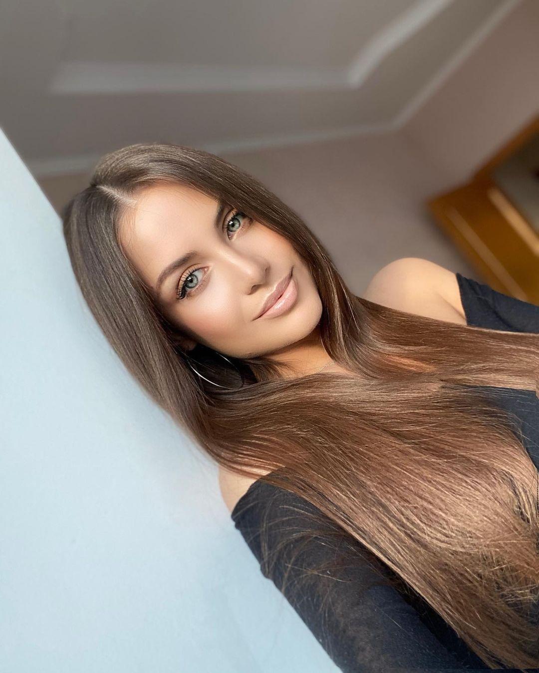 Alena-Gogoleva-Wallpapers-Insta-Fit-Bio-4