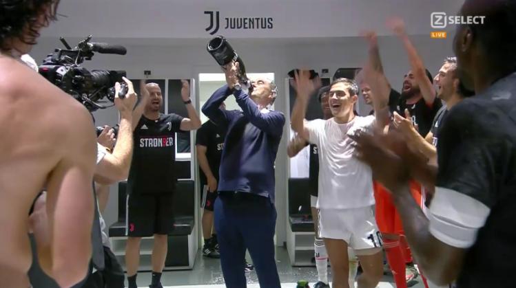 Immensa Juventus: 9 scudetti consecutivi con 3 allenatori diversi.