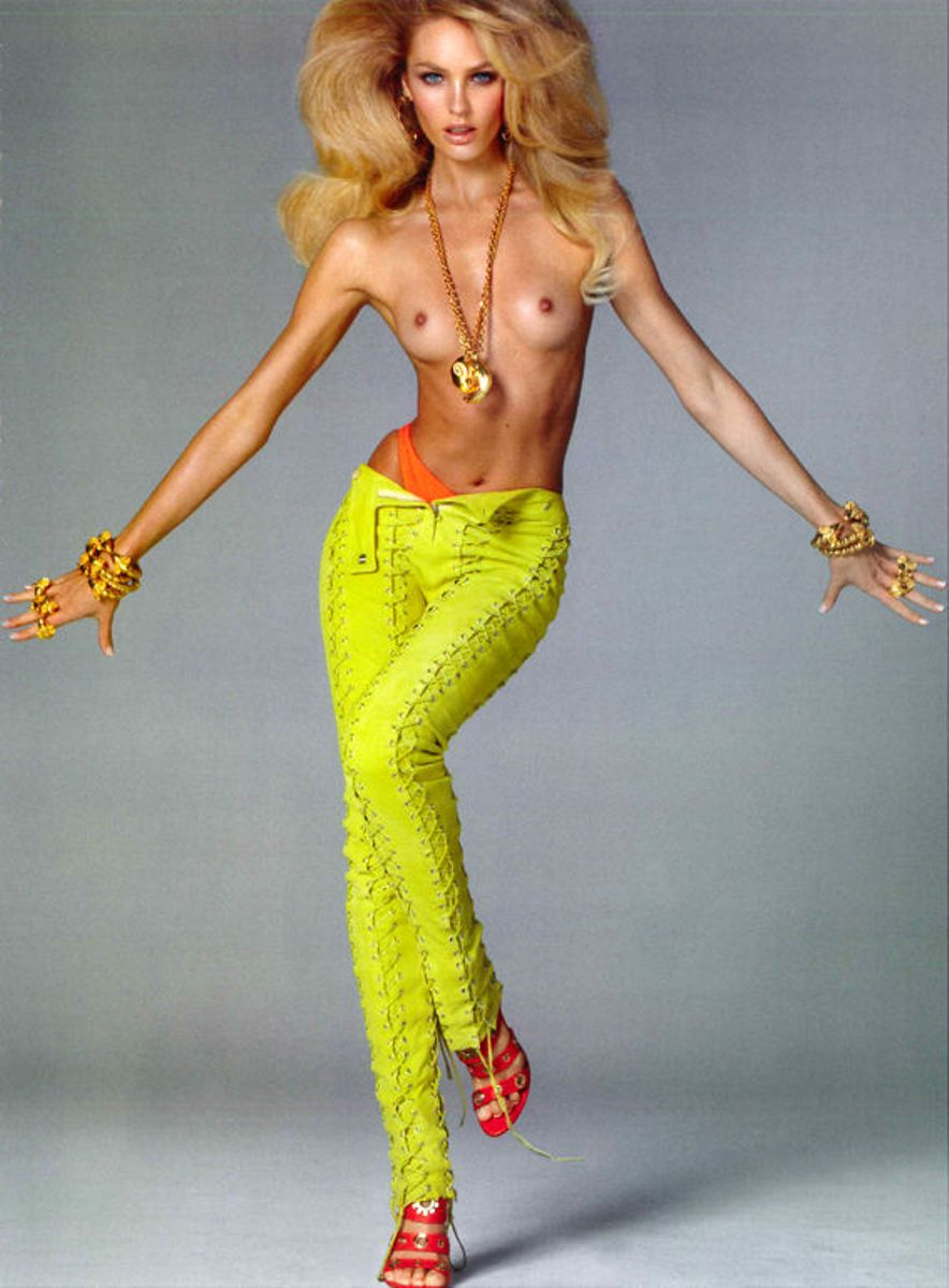 Candice-Swanepoel-Goes-Topless-In-Vogue-Italia-Feb-2011-11