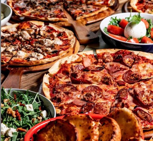 Pizza-Canada-Bay