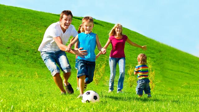 Aktivitas Luar Ruangan Terbaik untuk Dilakukan Bersama Anak Anda