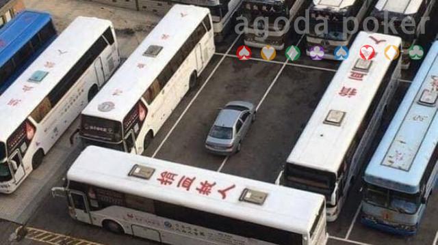 Cegah Mobil Asal Parkir, Kompilasi Hukuman Masyarakat Ini Patut Ditiru