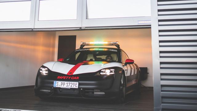 2019 - [Porsche] Taycan [J1] - Page 18 7245-C6-D2-A94-F-4899-BC58-BB49008-CFE4-E