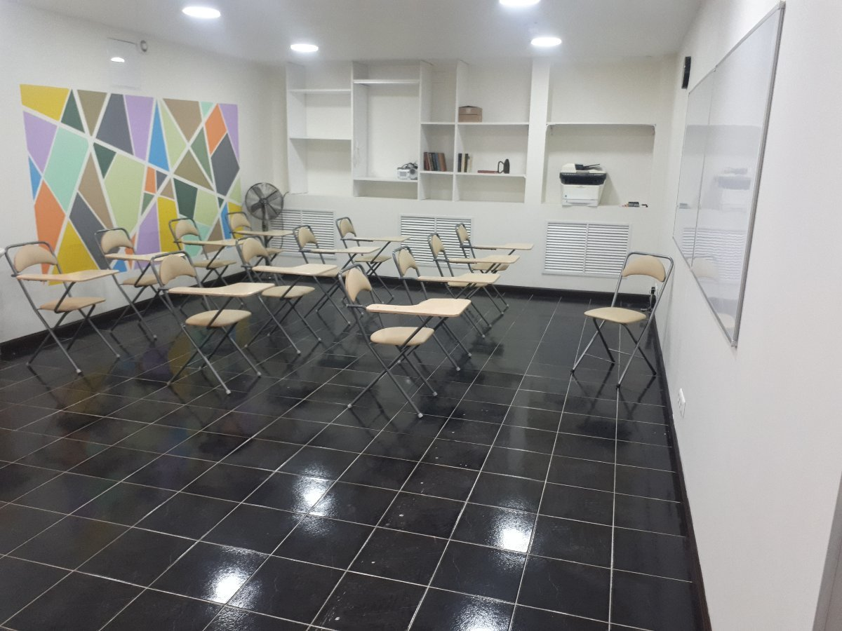 Аренда зала для тренингов, мастер-классов, лекций и семинаров. YouParty.ru
