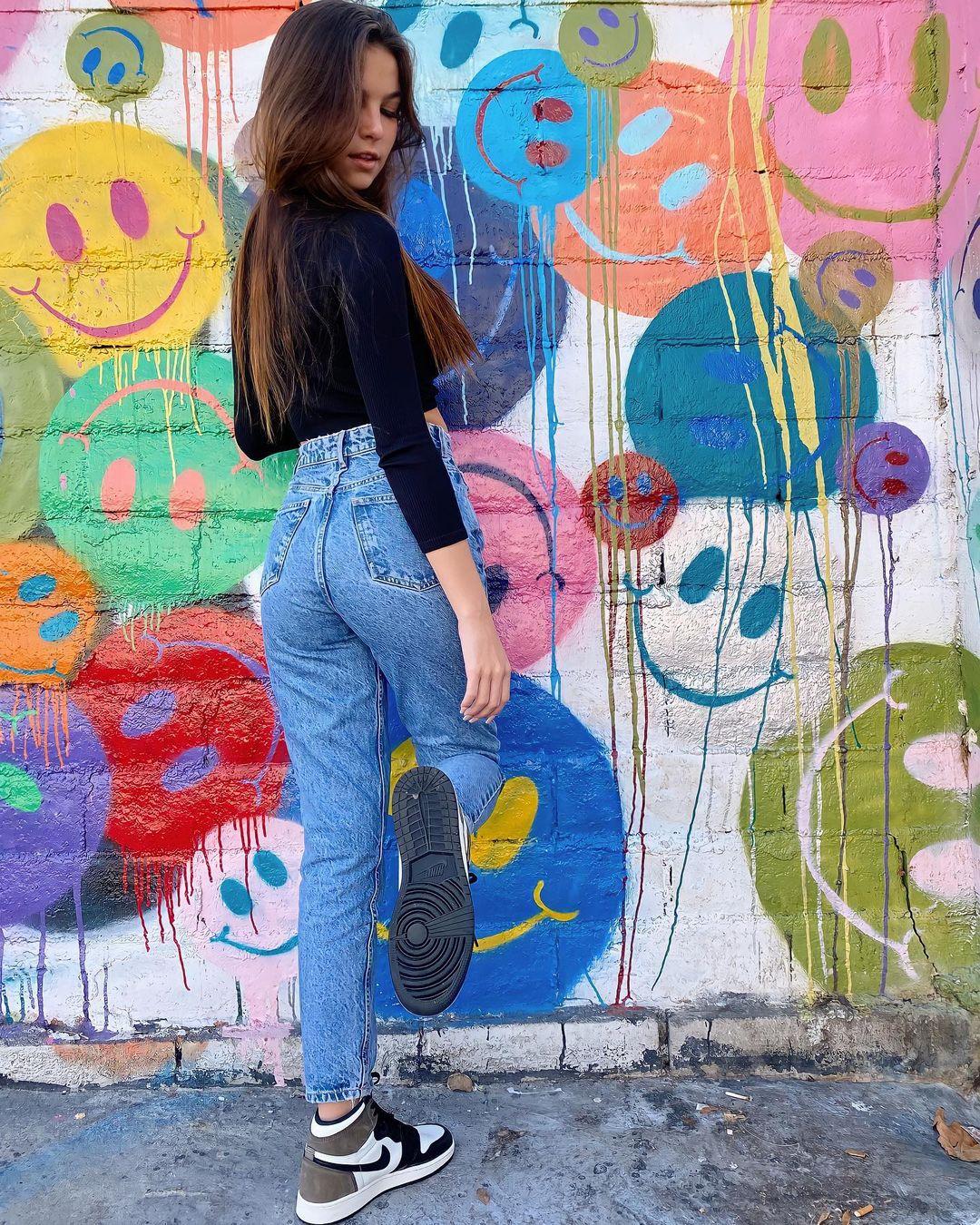 Grace-Boor-Wallpapers-Insta-Fit-Bio-3