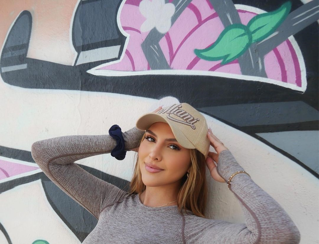 Nicol-Ramirez-Wallpapers-Insta-Biography-25