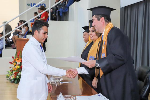 Graduacio-n-Medicina-50