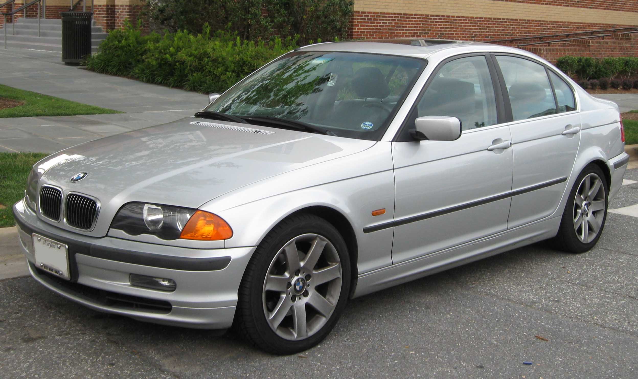 [Image: bmw-1998-3-series-is-everything-that-you...back-2.jpg]