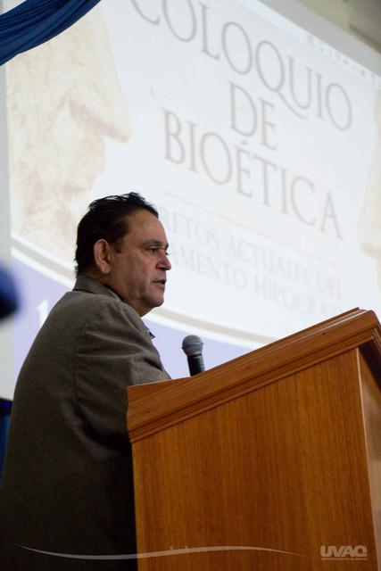 coloquio-bioetica-medicina-uvaq-13