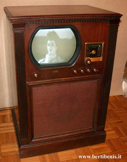 TV-Dumont-RA103-D-5