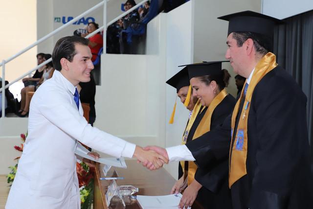 Graduacio-n-Medicina-123