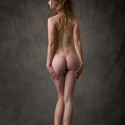 susann-shamelessly-showcases-an-amazing-curvy-body-03-w800