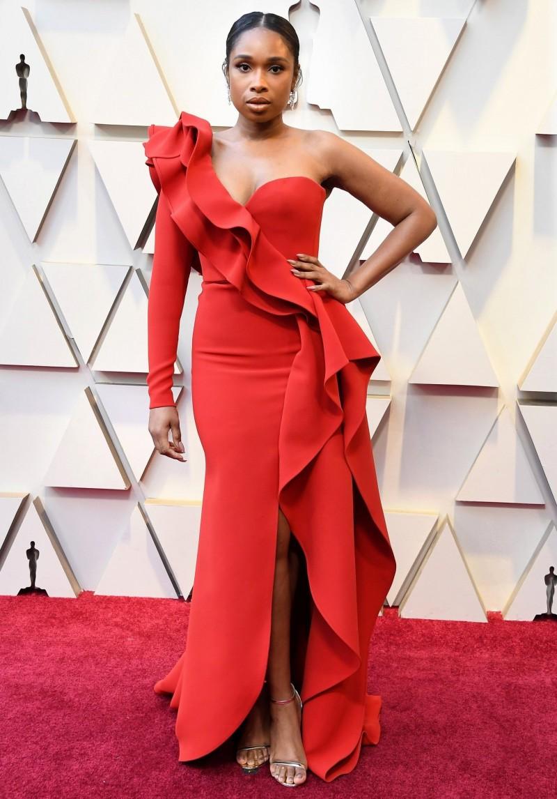 Najlepša haljina crvenog tepiha - Page 29 3-Jennifer-Hudson