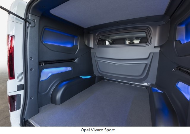 Une lumière sans danger : feu bleu pour l'Opel Grandland X 17-Opel-Vivaro-Sport-302848