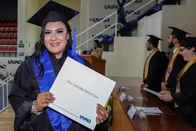 Graduacio-n-Gestio-n-Empresarial-41