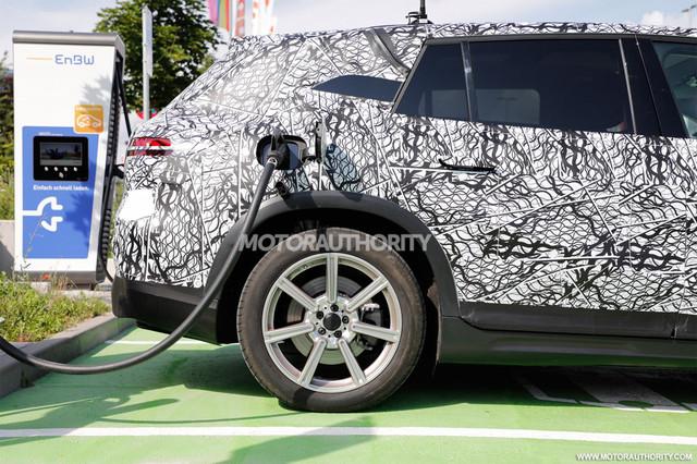 2022 - [Mercedes-Benz] EQS SUV - Page 2 F951-CE62-8-FBF-4-BC3-95-F9-A84-D094-D0-FC7