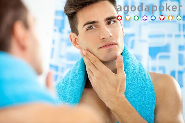 Perawatan Wajah Anti-Ribet Cowok Cuma Butuh 3 Skincare Ini!