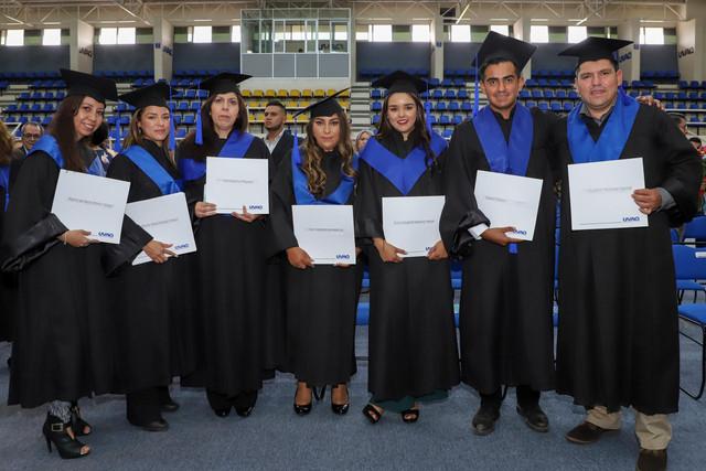 Graduacio-n-Gestio-n-Empresarial-66