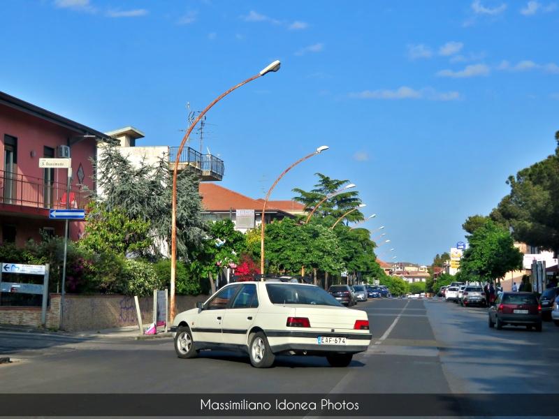 avvistamenti auto storiche - Pagina 8 Peugeot-405-EAF674