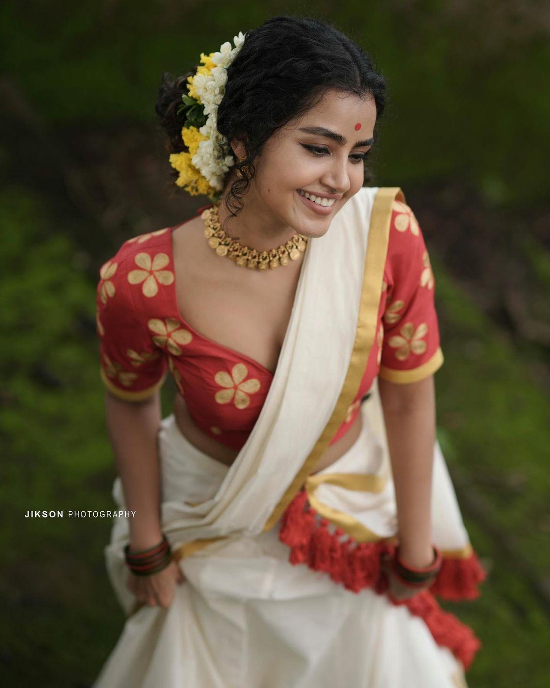 Anupama-Parameswaran-Onam-Photoshoot-3