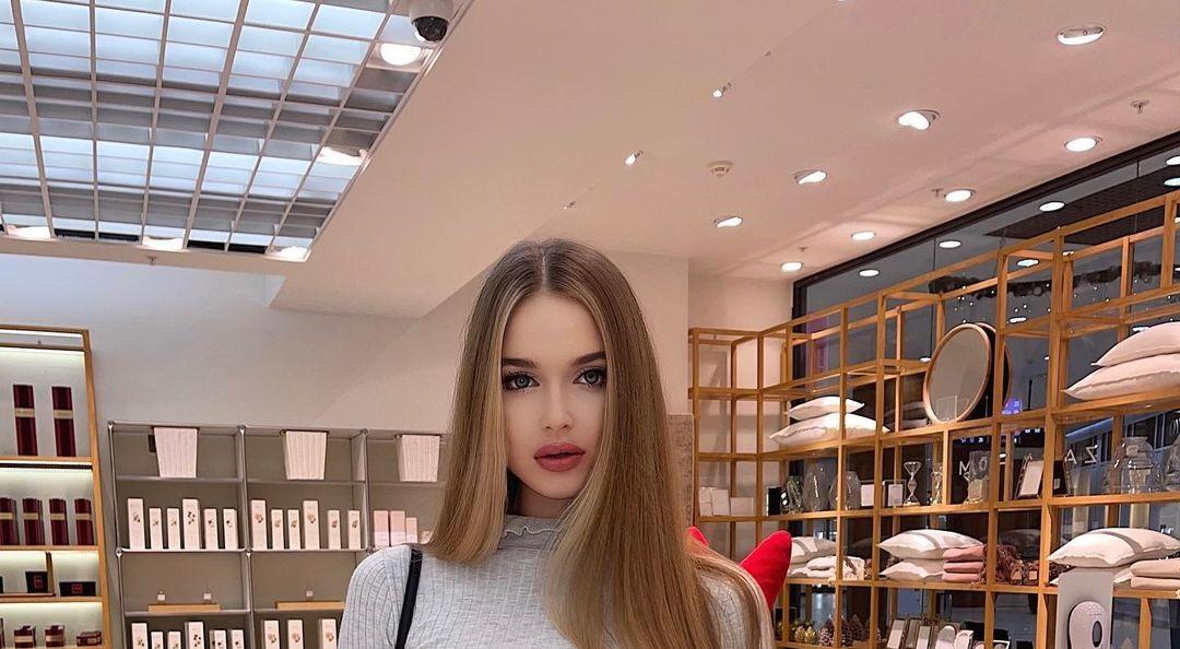 Angelina-Samokhina-Wallpapers-Insta-Fit-Bio-16