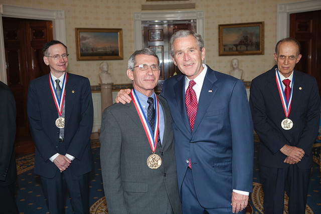 President-George-W-Bush-poses-with-2005-National-Medal-of-Science-recipient-Dr-Anthony-S-Fauci-of-Th.jpg