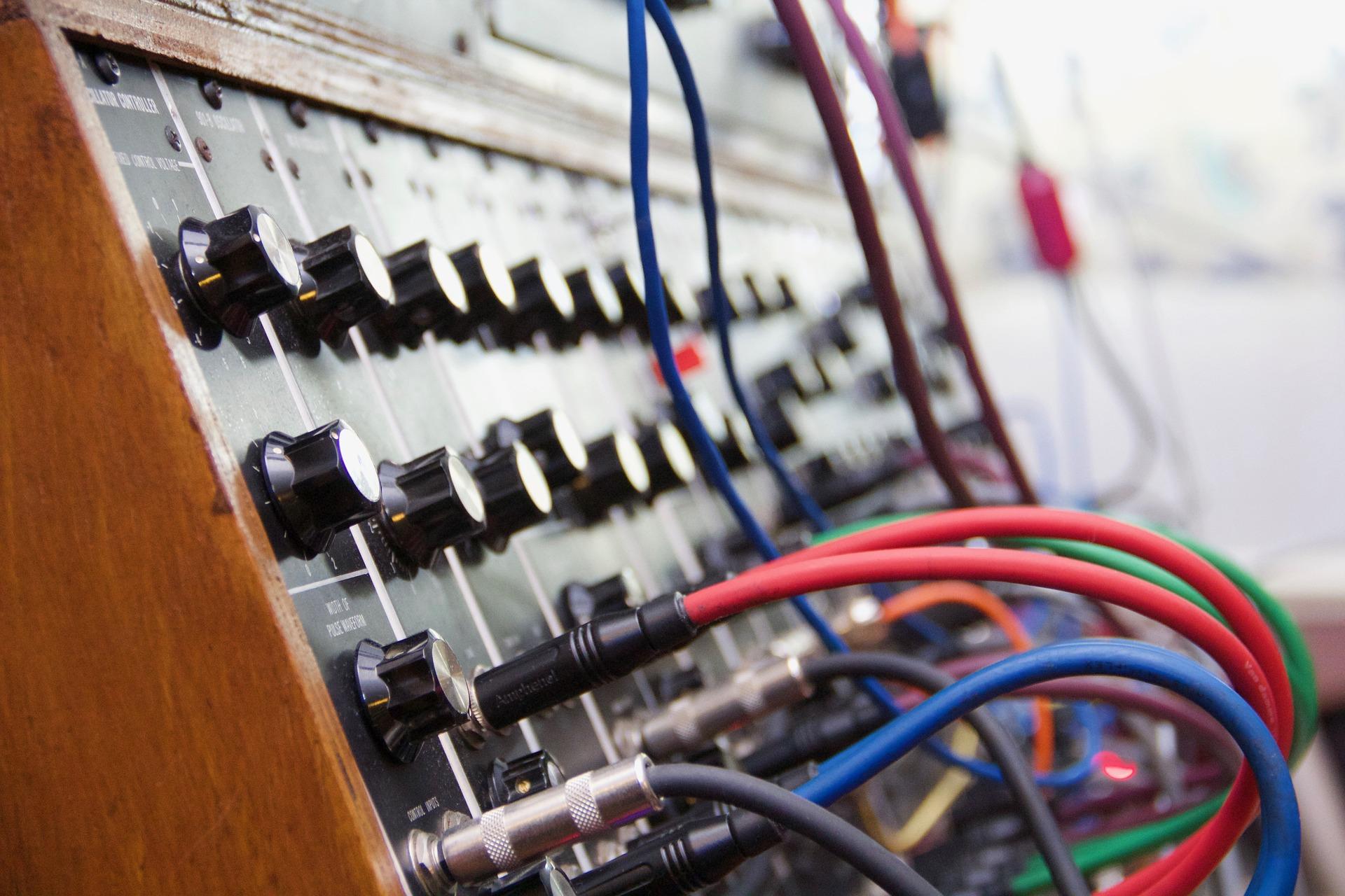synthesizer-2479008-1920