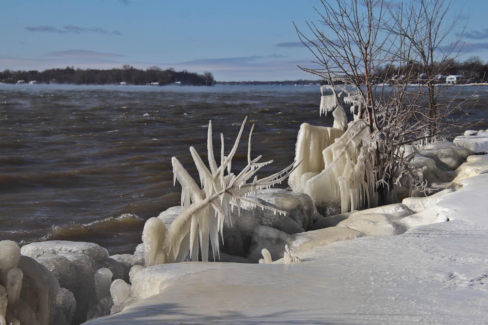 13-Nov-2019-Icy-Shore-smaller-166