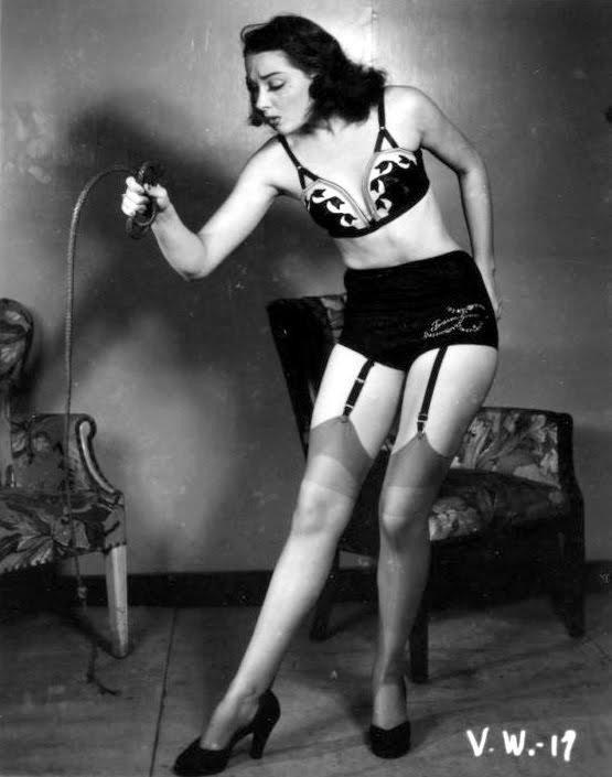 femdom-photograph-dominatrix-domme-woman-34