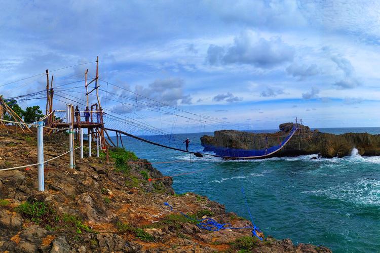 Jembatan Watu Bale