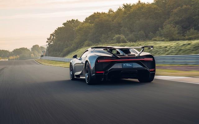 Premiers trajets en Bugatti Chiron Pur Sport 29-20-pur-sport-first-drives-jet-grey
