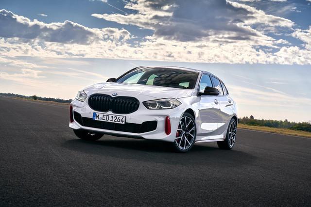 2018 - [BMW] Série 1 III [F40-F41] - Page 31 13-EEE888-60-FC-4-F76-BD1-C-930-F1-B30-A29-D