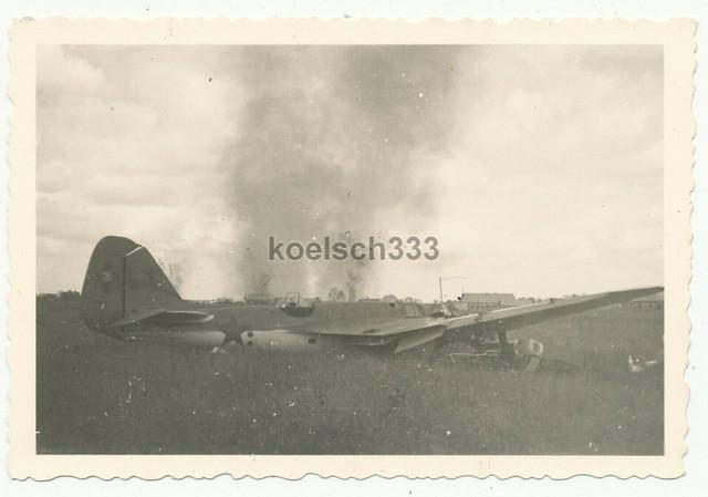 Foto-russisches-Flugzeug-Wrack-auf-Feldflugplatz-in-Beschenkowitschi