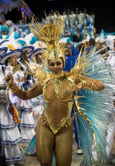 Bianca-Monteiro-2017-Rio-Carnival-Day-2-ncrc-Tfd6-Ij5x