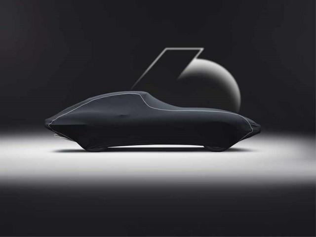 """Jaguar Classic Dévoile La Type """"60 Collection"""" : Homage Au 60e Anniversaire De La Sportive Légendaire 12-E-TYPE-FHC-cover-01"""