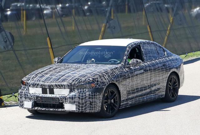 2023 - [BMW] Série 5 / M5 [G60 / G61] - Page 2 647-D4366-D010-44-F2-B972-5-ABB81391154